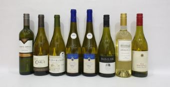 Eight bottles of assorted white wine to include Huguenot Sauvignon Blanc 2016 and Macon-Villages