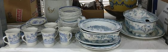 Furnivals Quail part dinner service to include: large soup tureen, two meat plates, dinner plates,
