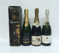 Four bottles of champagneto include Jean-Noel Hatton Brut, Bouvet-Ladubay, Pol Roger & Co champagne