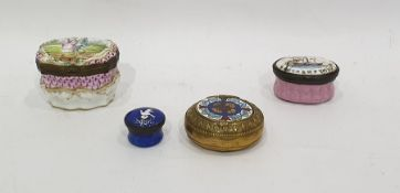 Antique continental porcelain patchbox, bombe shaped and the hinged cover painted with pair of