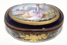 """kl. Pillendose """"Sevres"""" Kobalt mit Gold und Parkszene, H-2 cm, 4x2,5 cm"""