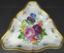 "Dreieckschale""Dresden"", H. Wolfsohn,, Blumendekor und Goldrand, 20x20 cm"
