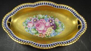 """ovale Prunkschale, """"Schumann"""" Goldstaffage und Blumen, H-3 cm, 13x22 cm"""