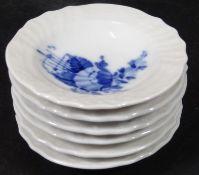 """6 kl.Schälchen """"Royal Copenhagen"""" blaue Blume, für Teebeutel etc., D-7- - -22.61 % buyer's premium"""