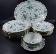 """Speiseservice """"Meissen"""" indisch grün mit Gold, 29 Teile, gr. ovale Fleischplatte, 3x div. Schüsseln,"""