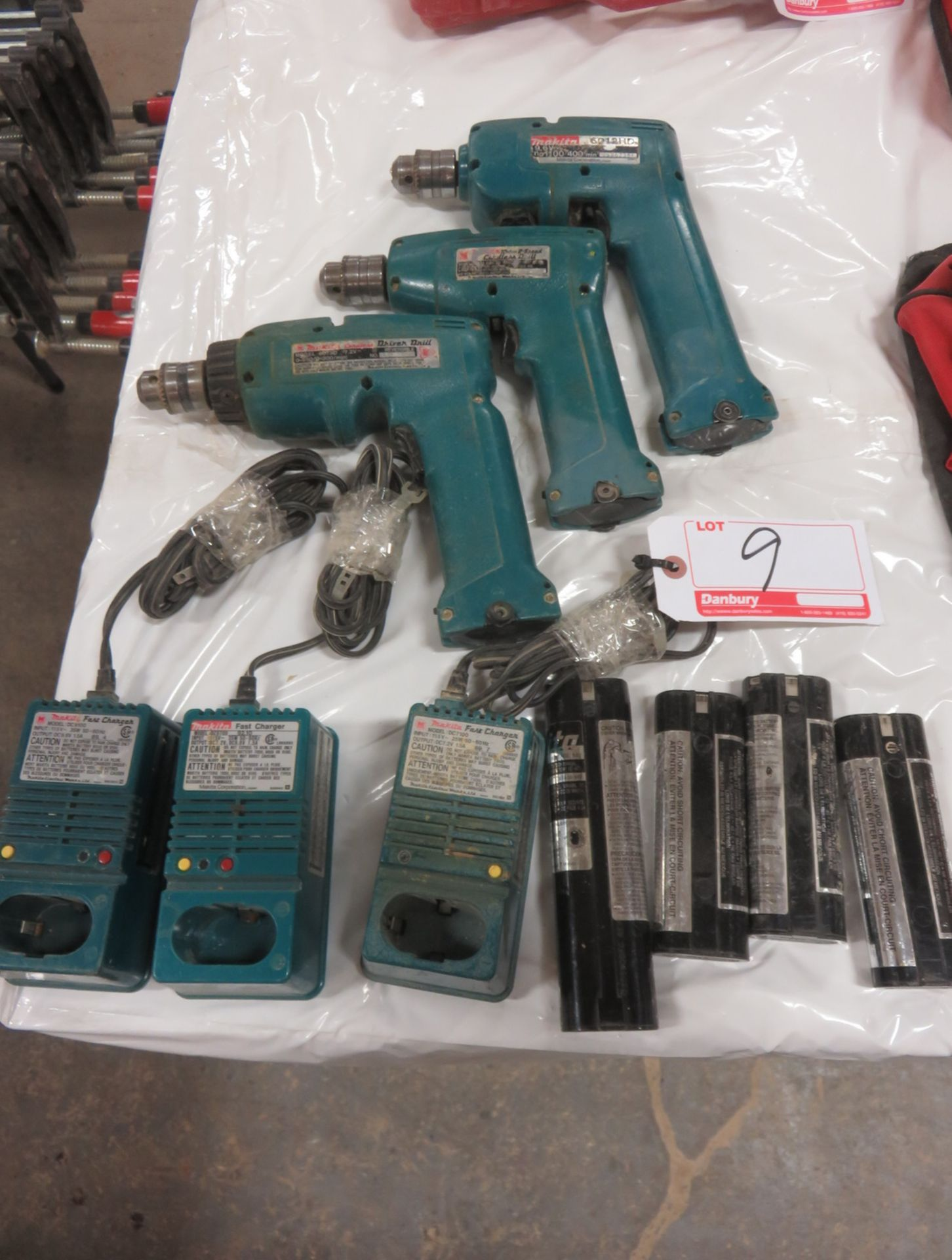 Lot 9 - LOT - MAKITA 7.2V + 9.6V ASSTD BATTERY DRILLS W. CHARGERS & BATTERIES