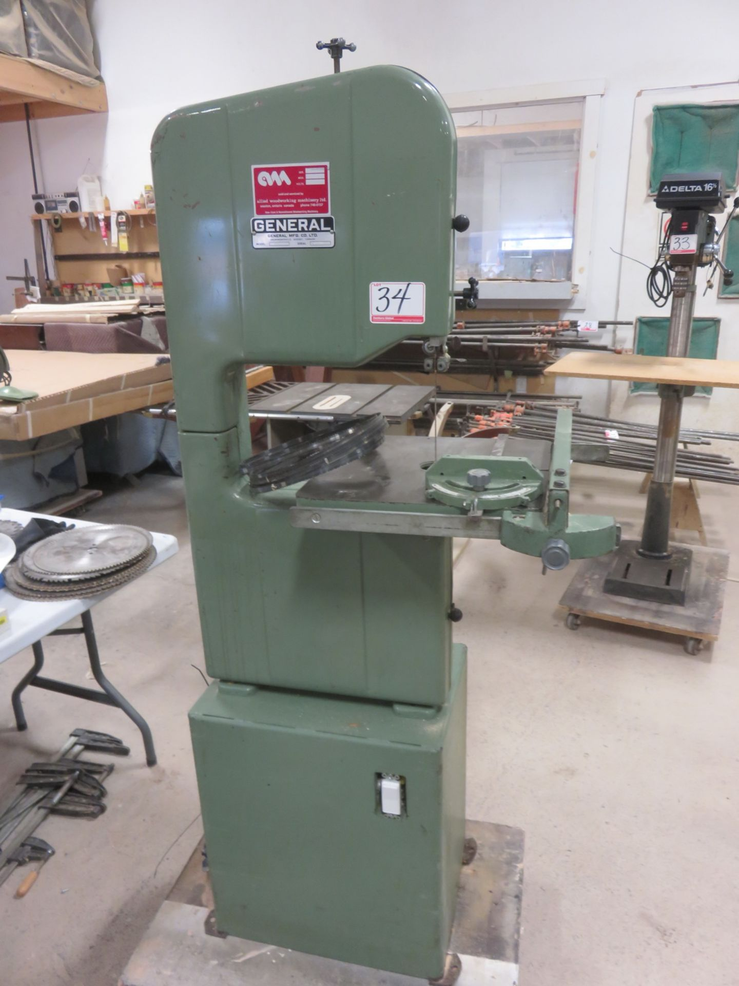 "Lot 34 - GENERAL 490 14.5"" THROAT, 5.5""H CUT, 16"" X 16"" TABLE BAND SAW, S/N J1200"