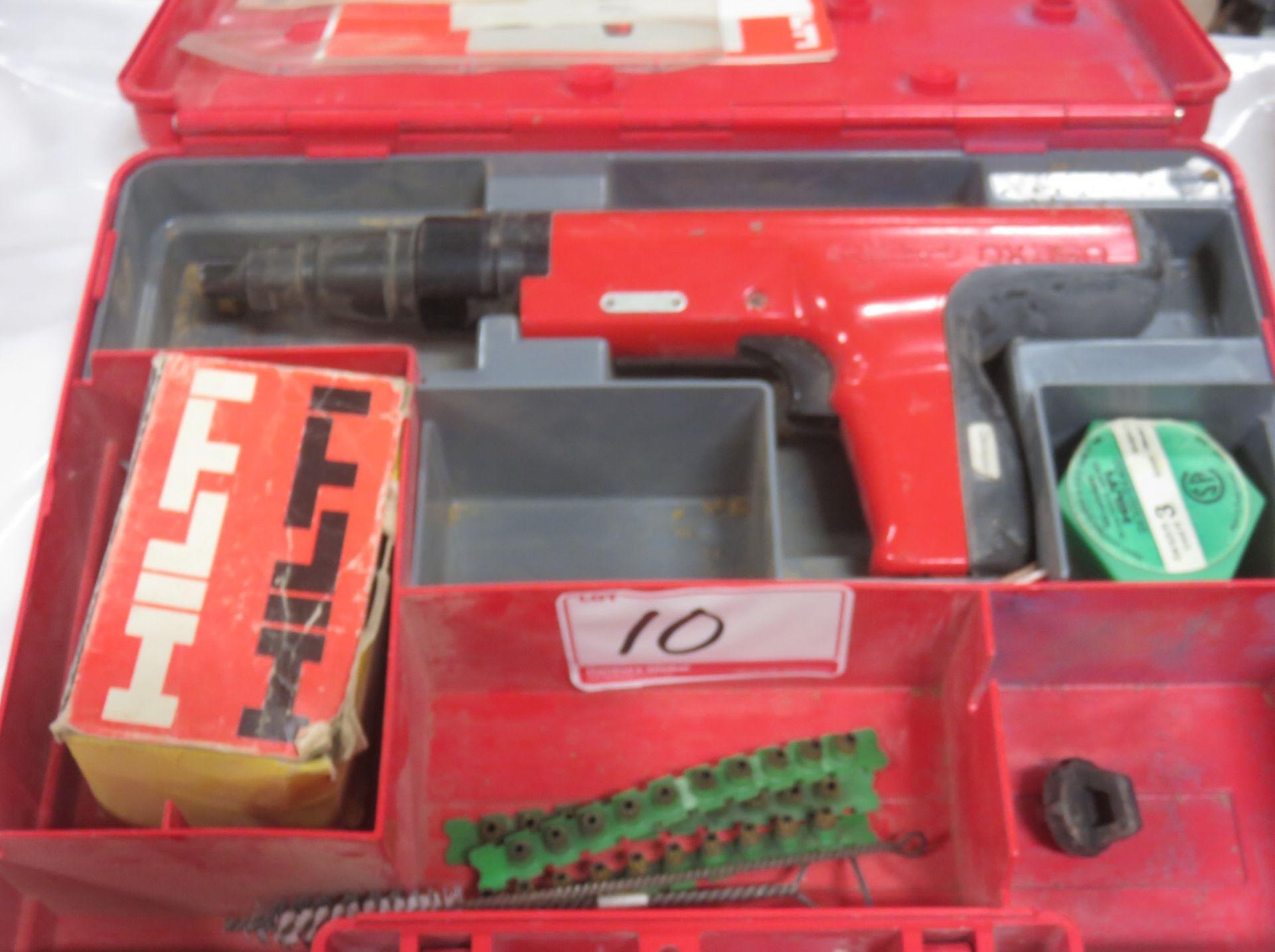 Lot 10 - HILTI DX350 RAMSET GUN KIT