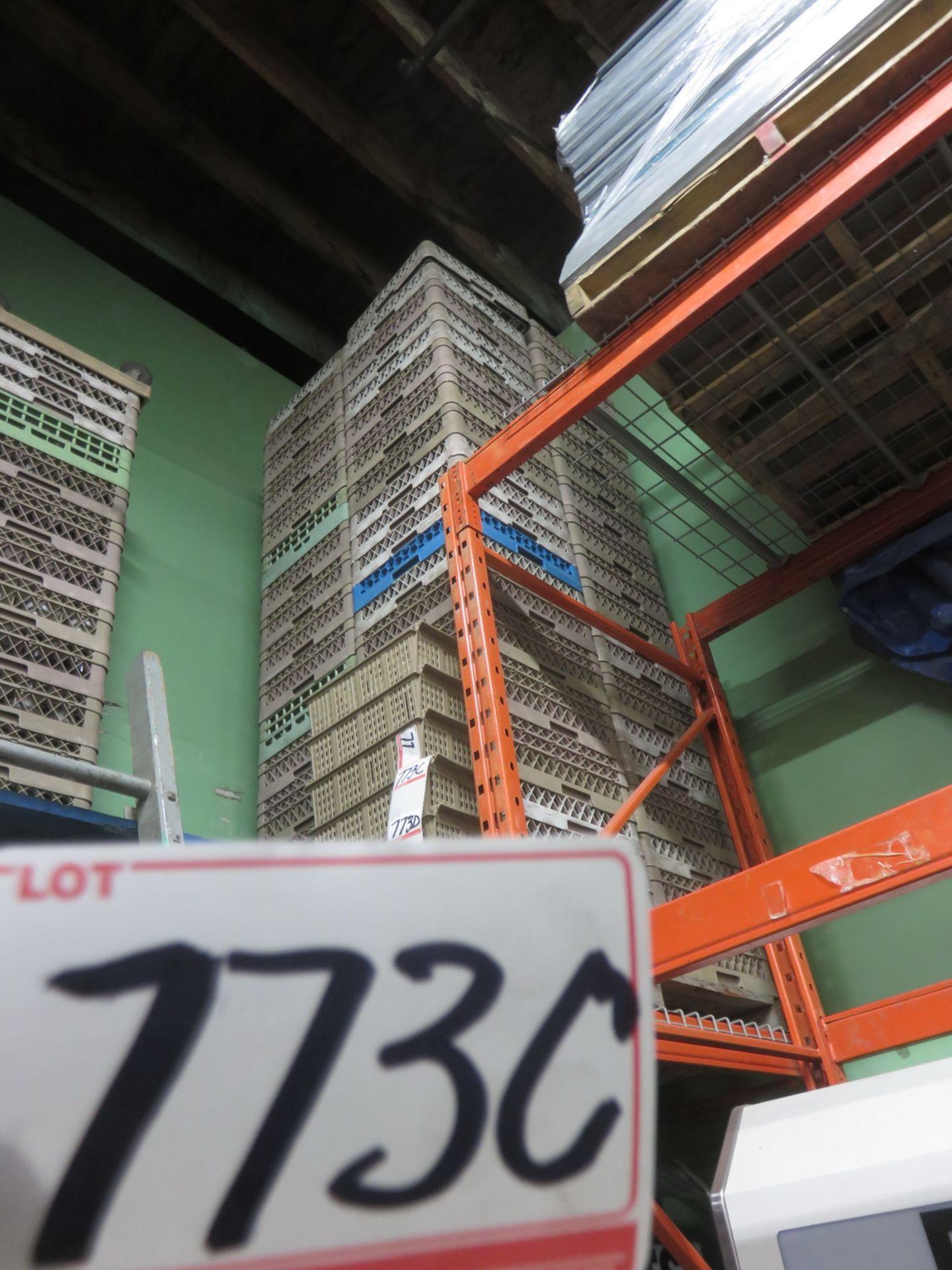 Lot 773E - LOT - BROWN/ GREEN / BLUE 19 X 19 ASSTD DISH WASH TRAYS (30 PCS)