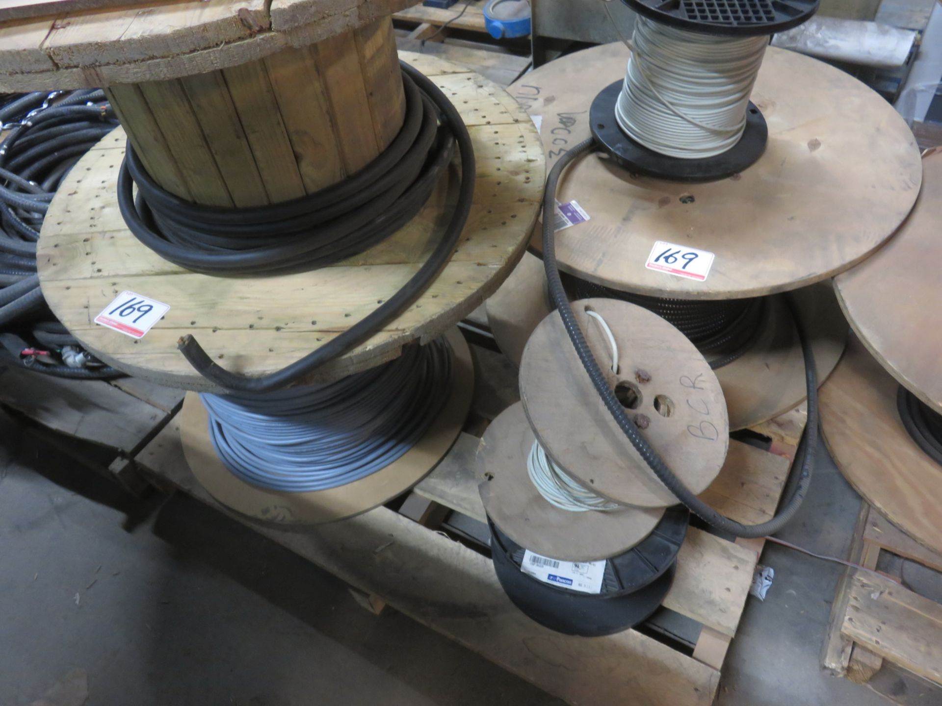 Lot 169 - LOT - GENERAL RUBBER CASING + H/D WIRE (1 SKID)