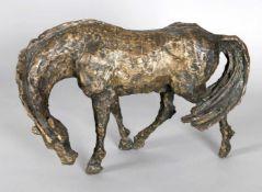 Hans Schröder (Saarbrücken 1930-2010 Saarbrücken)Grasender Hengst, 1979, Bronze, L: 40 cm, H: 28
