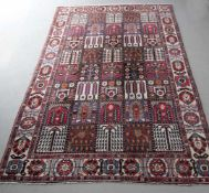 Bachtiar, Persien, Ende 20. Jh.Wolle, mit typischem Feldermuster, 210 x 302 cm, gut erhalten, - ohne