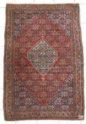 Bidjar, Persien, um 1980beste Hochlandwolle, mittelfeine Knüpfung, mit charakteristischem Muster mit