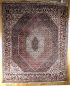 Bidjar Tekap, Persien, 2. Hälfte 20. Jh.Wolle, feste fast brettartige Knüpfung welche dem Teppich