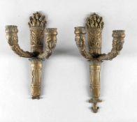 Paar Wandappliken Louis XVI-Stil, Frankreich, wohl 20. Jh.Fackelform, für 2 Kerzen, Abguss aus