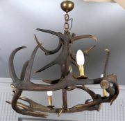 Geweih-Deckenlampe, deutsch, 1. H. 20. Jh.aus sechs kräftigen Geweihstangen montiert und