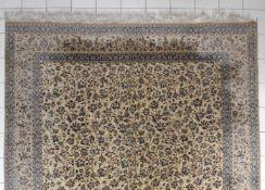 Großer Nain, Persien, Ende 20.Jh.Korkwolle mit Seide, feine Knüpfung (6 la) prächtiger Teppich mit