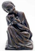 """Steigerwald, Dorothea (1918 Rheinhausen 2014)""""Mutterliebe"""". Bronze, dunkel patiniert. Innen auf"""
