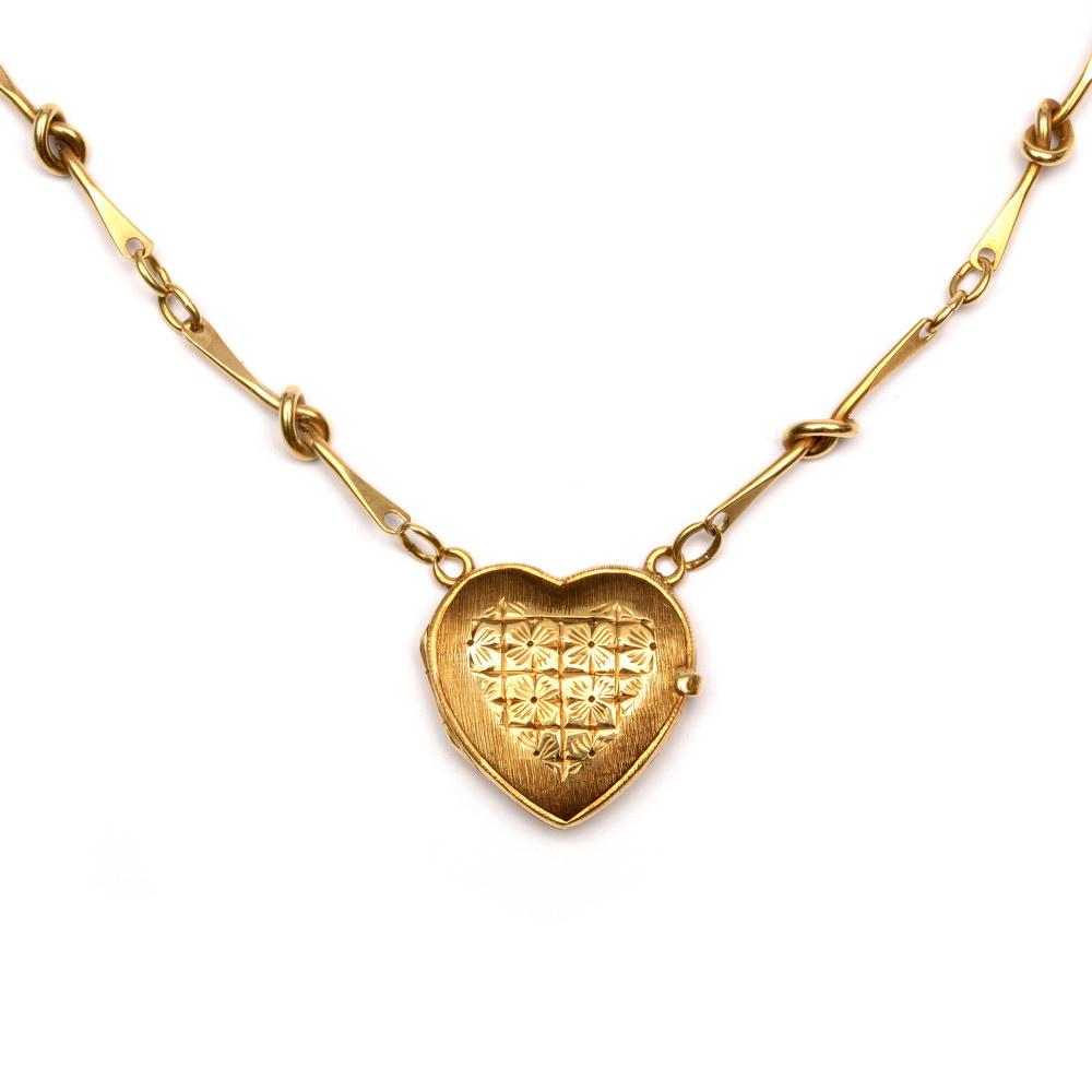 Lot 59 - 14krt. Gouden fantasiecollierin het midden hartmedaillon, met bloemgravures; Bruto 10,3 gr. ; 1220