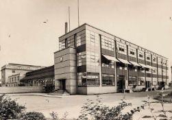 BAUHAUS. – Gropius. – Fagus-Werk,Alfeld. Architektur Walter Gropius. Fotografie, um 1930 oder