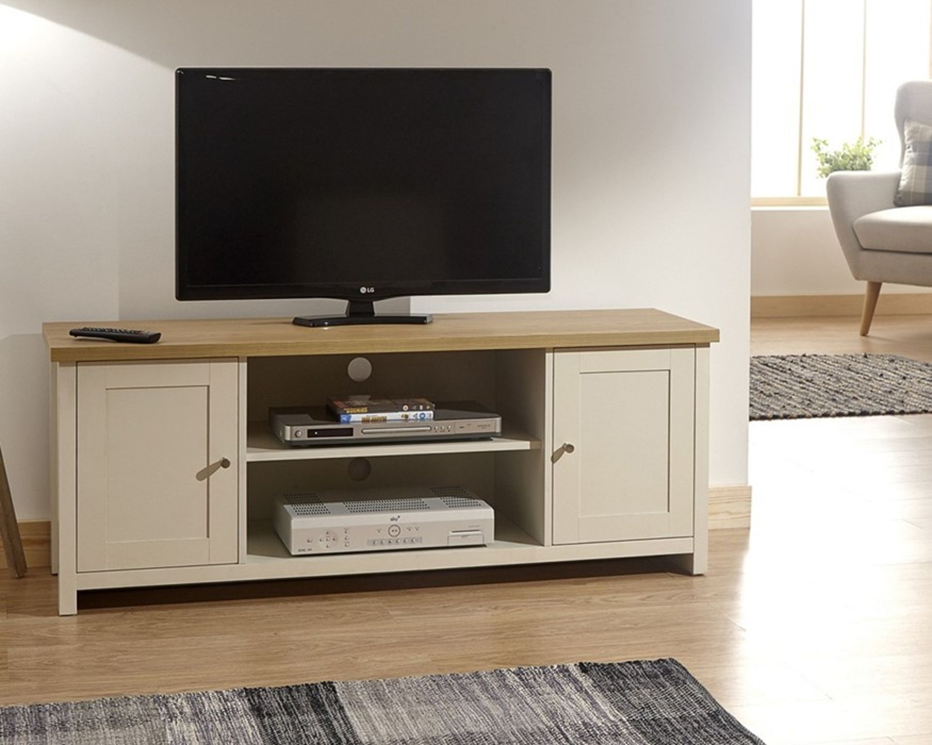 Lot 41 - 1 BOXED LANCASTER LARGE TV CABINET IN CREAM