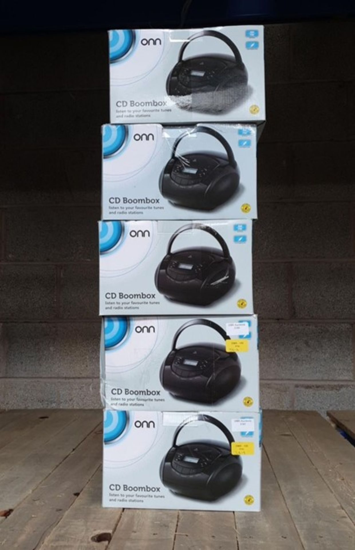 Lot 48 - 1 LOT TO CONTAIN 5 ASSORTED ELECTRICALS, INCLUDES ONN BLACK BOOMBOXES / BL - 3813 (VIEWING HIGHLY