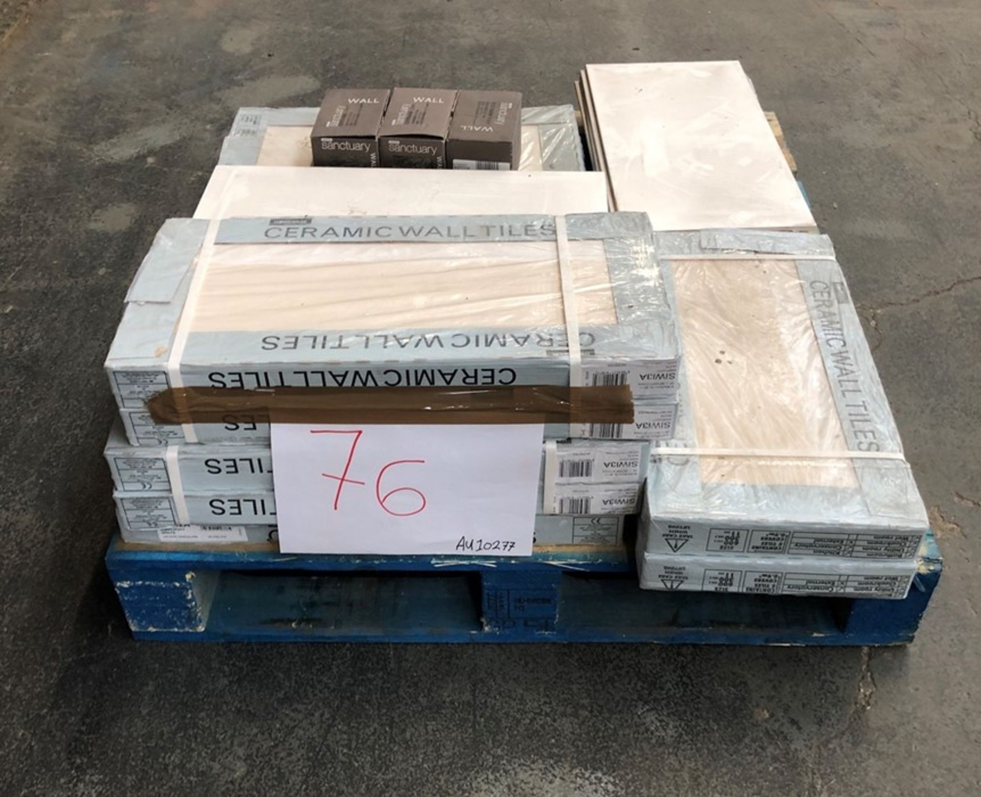 Lotto 54 - 1 LOT TO CONTAIN ASSORTED CERAMIC WALL TILES (PUBLIC VIEWING AVAILABLE)