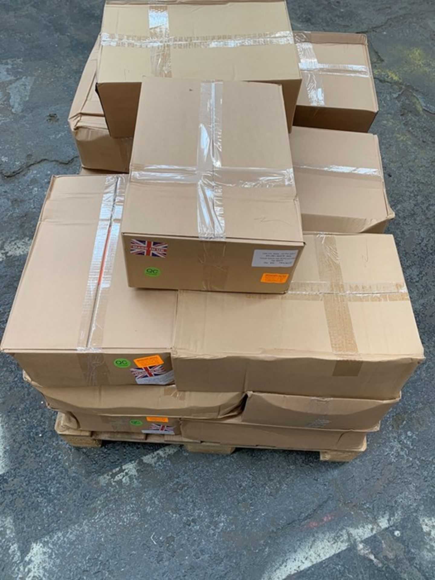 Lotto 3 - 1 LOT TO CONTAIN 17 BOXES OF ASSORTED MAILING ORANGE OPAQUE HIGH DENSITY S/W BAGS / 500 PER BOX /