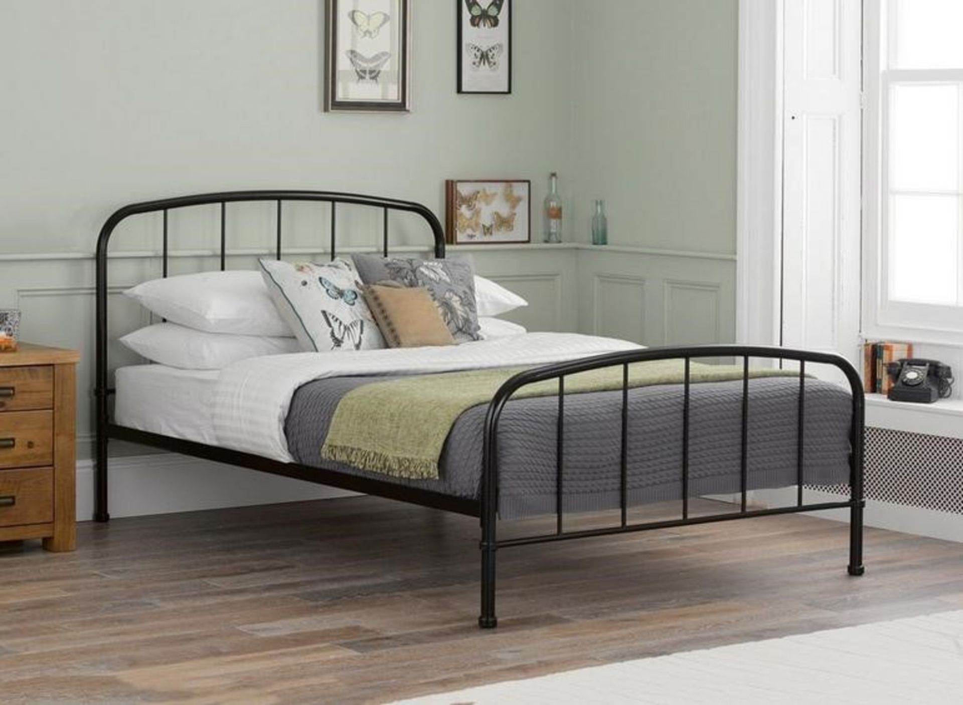 Lot 2207 - 1 BOXED SOL METAL DOUBLE BED FRAME IN BLACK / RRP £249.99 (PUBLIC VIEWING AVAILABLE)