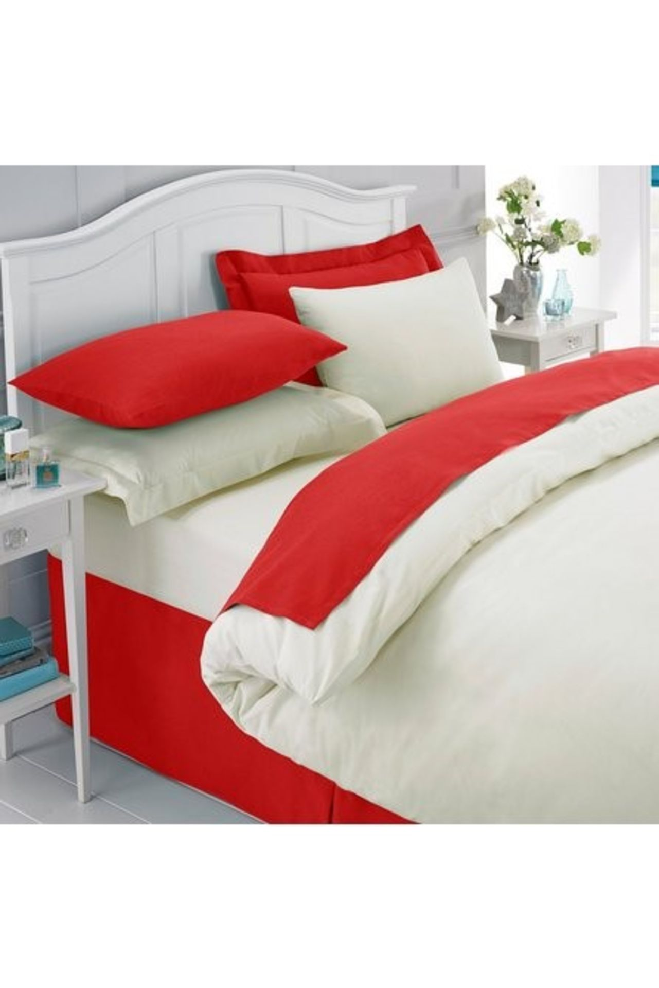 Lot 54 - 1 BAGGED PERCALE PLAIN DYED FLAT SHEET IN RED / RRP £33.49 (PUBLIC VIEWING AVAILABLE)