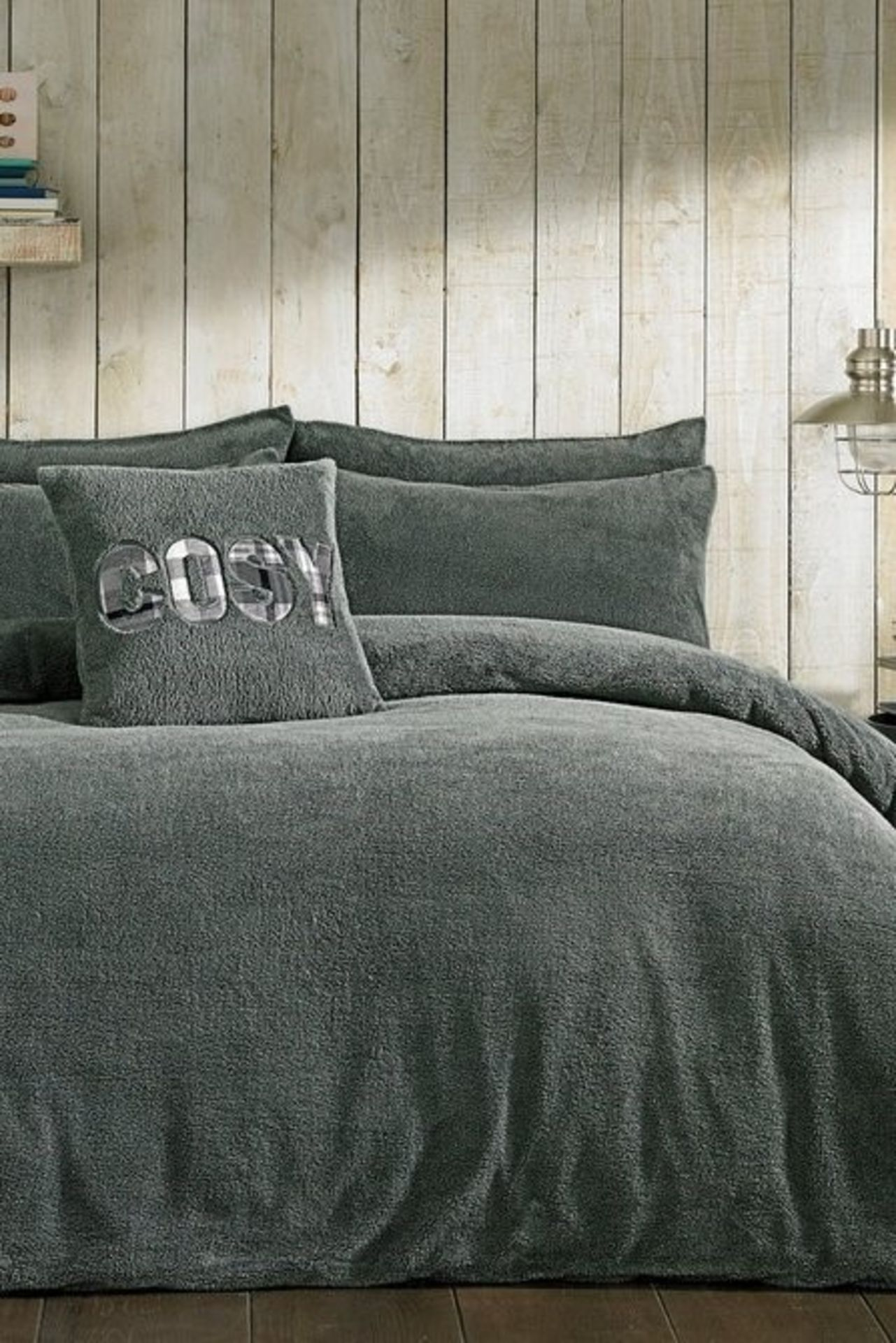 Lot 42 - 1 AS NEW BAGGED COSY TEDDY FITTED SHEET IN CHARCOAL GREY / SIZE: SINGLE / RRP £26.99 (PUBLIC VIEWING