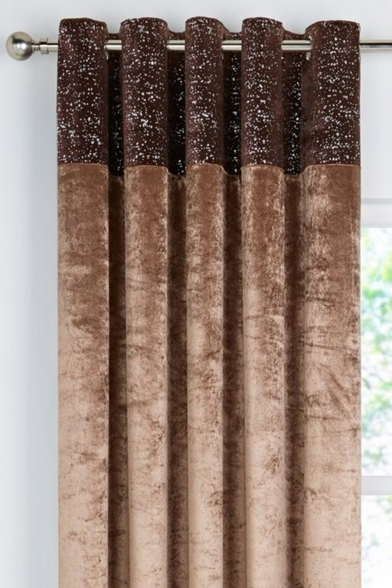 """Lot 35 - 1 AS NEW BAGGED VELVET SPLASH TOP BORDER EYELET CURTAINS IN COFFEE / SIZE: 66 X 90"""" / RRP £49.99 ("""
