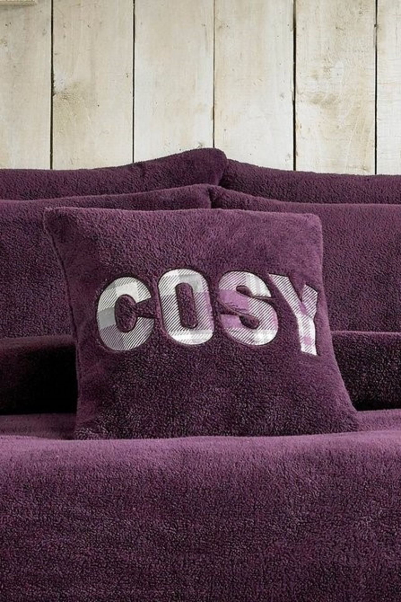 Lot 6 - 1 BAGGED KING SIZE ULTRA COSY TEDDY FLEECE IN PLUM / RRP £34.99 (PUBLIC VIEWING AVAILABLE)