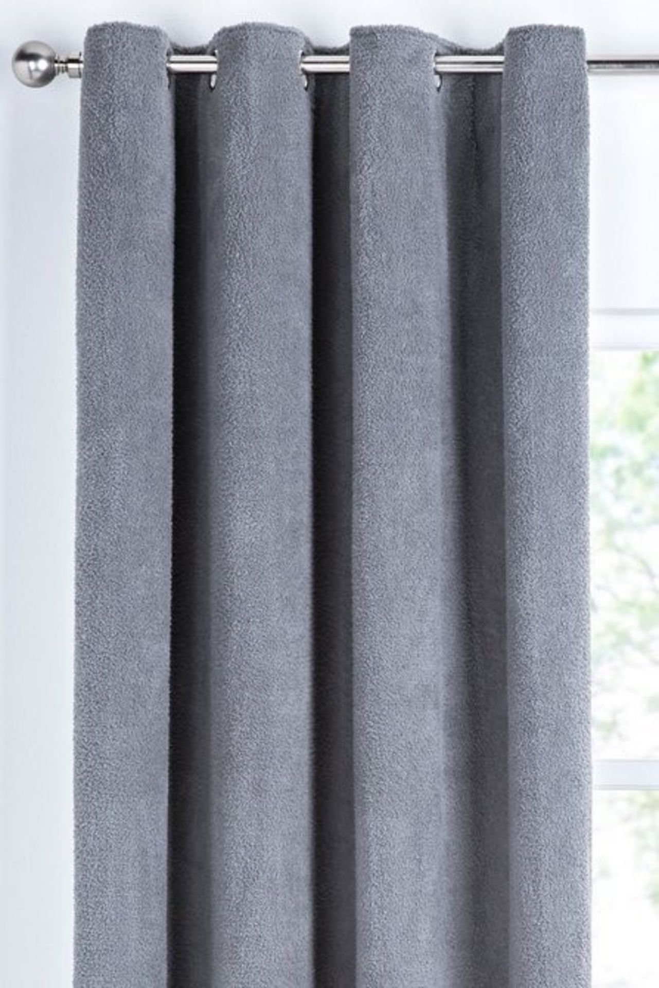 Lot 29 - 1 BAGGED COSY TEDDY EYELET CURTAINS IN GREY / SIZE UNKNOWN / RRP £33.99 (PUBLIC VIEWING AVAILABLE)