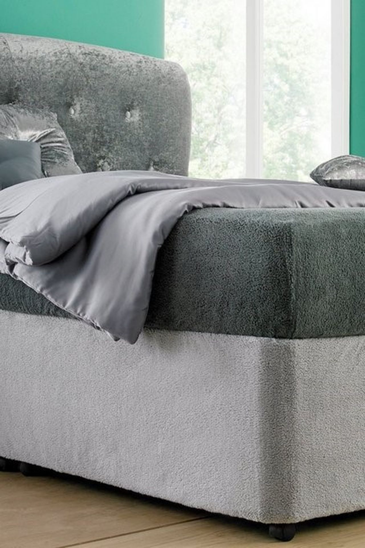 Lot 15 - 1 BAGGED DOUBLE ULTRA COSY BASE WRAP IN SILVER GREY (PUBLIC VIEWING AVAILABLE)