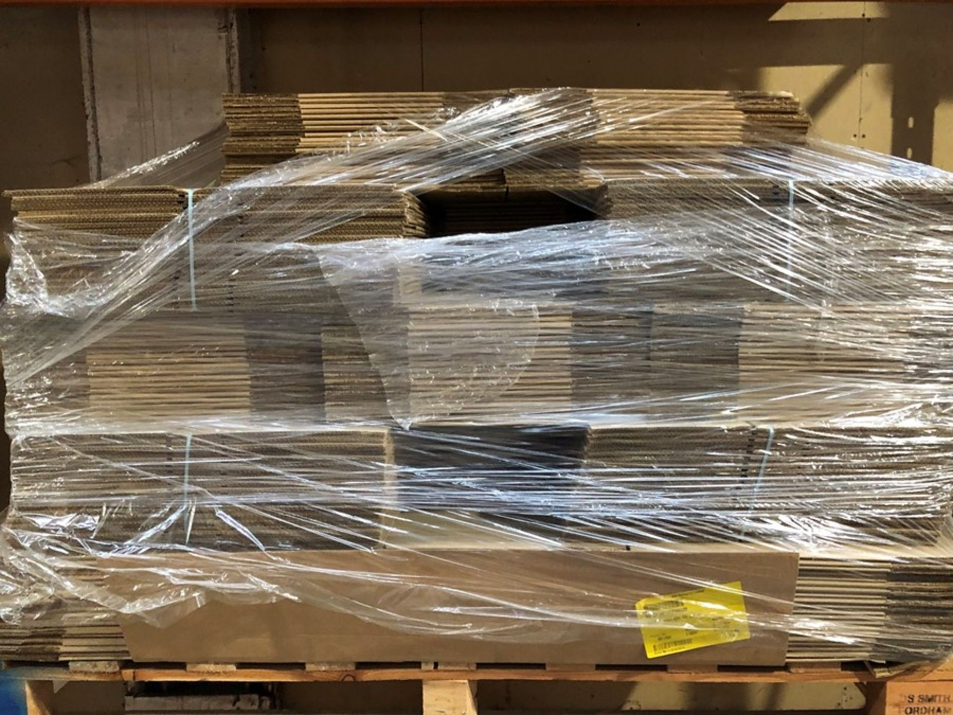 Lot 66 - 1 LOT TO CONTAIN SEVERALS STACKS OF SMALL CARDBOARD BOXES / PLEASE NOTE THAT SIZES MARY VARY (PUBLIC