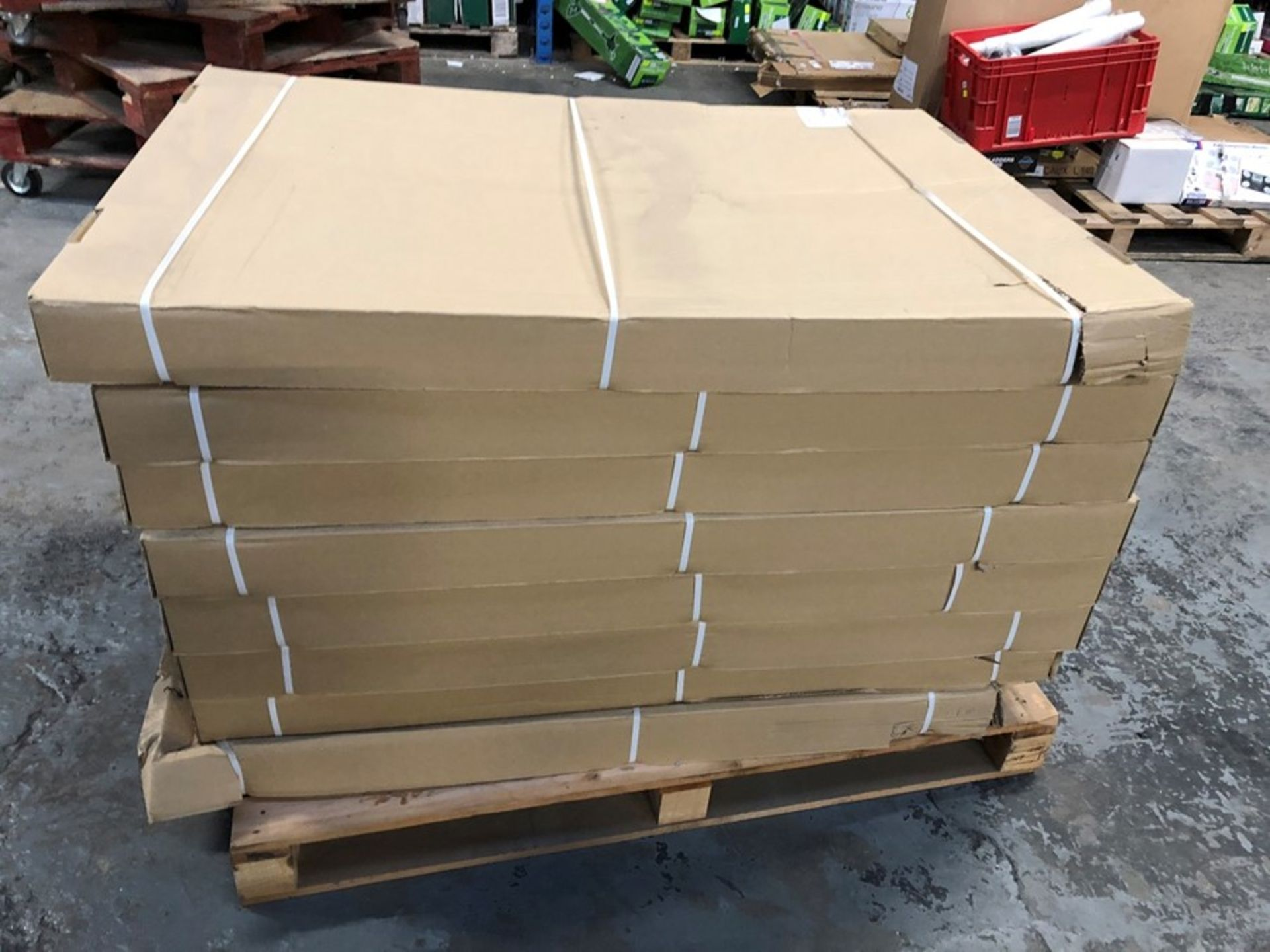 Lot 5 - 1 LOT TO CONTAIN ASSORTED OFFICE AND WORKPLACE PRODUCTS / INCLUDING CARDBOARD WHEEL, CARDBOARD