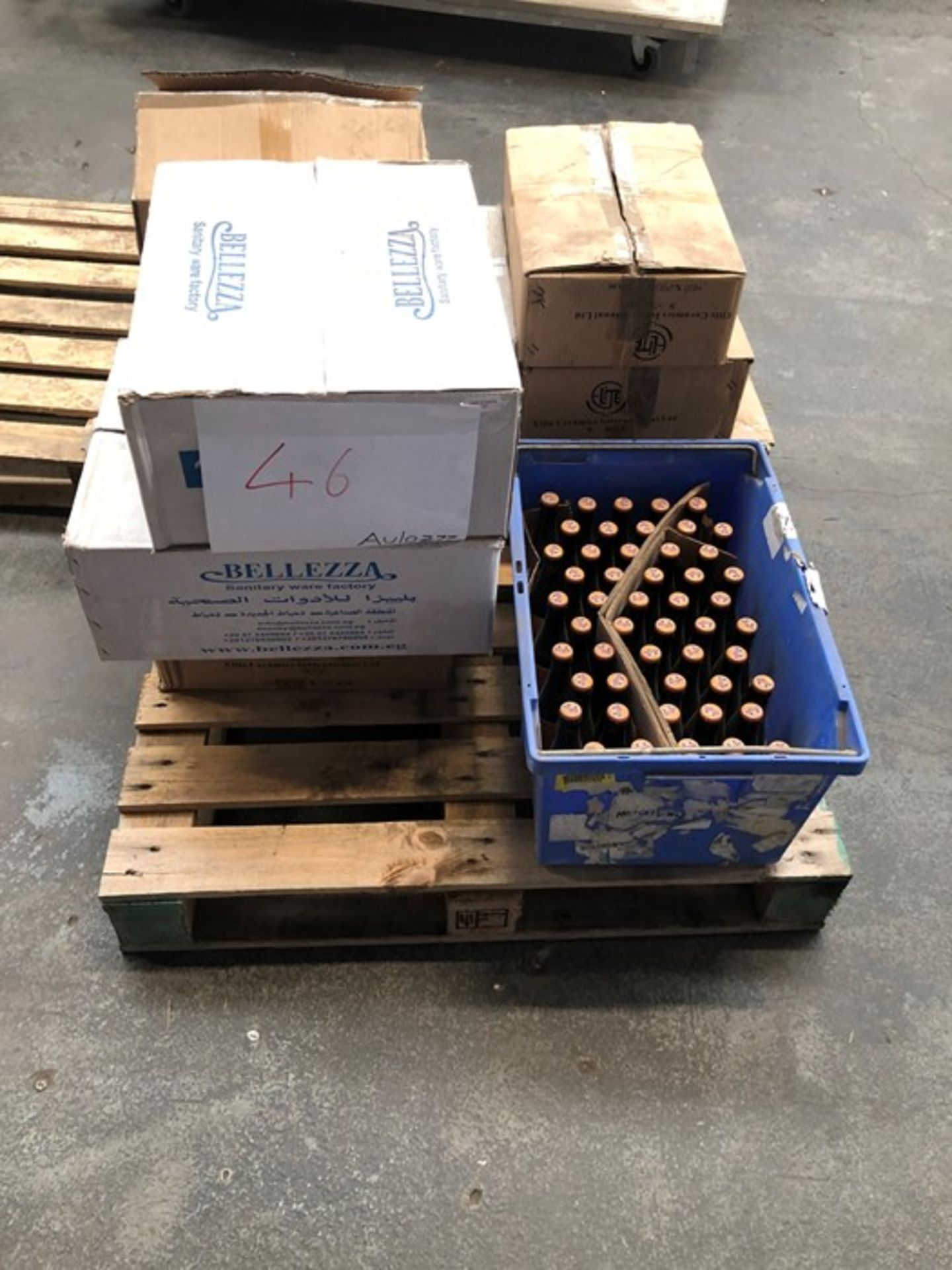Lot 36 - 1 LOT TO CONTAIN ASSORTED CERAMIC SINKS AND SNUFFLE CHICKEN FLAVOURED DOG BEER (PUBLIC VIEWING