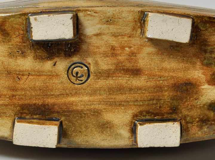 """Lot 38 - Vase, Keramik, frei geformt, Ritzdekor und partiell glasiert, Monogrammstempel """"CK"""", D. 28cm- - -"""