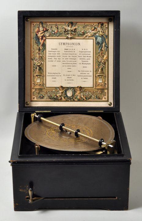 Lot 46 - Lochplatten-Spieldose Symphonion, Lochmann & Co., Leipzig, ca. 1885Schwarz lackiertes Holz-