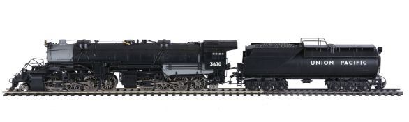 A gauge 1 Aristocraft model of an 2-8-8-2 USRA Compound Mallett American locomotive No 3670