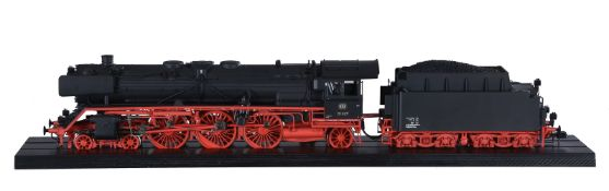 A gauge 1 model of a Märklin 'Modern Issue' catalogue No 55900 4-6-2 DB tender locomotive