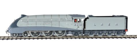 A fine gauge 1 model of a London North Eastern Railway Class A 4 streamliner tender locomotive No 25