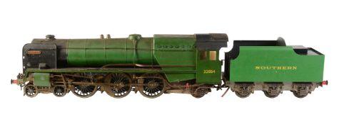 A well-engineered model of a 3 ½ inch gauge 4-6-2 tender locomotive No 32054 'Berwick'