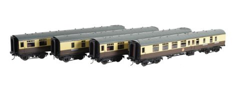 A rake of four gauge 1 Great Western Railway passenger coaches