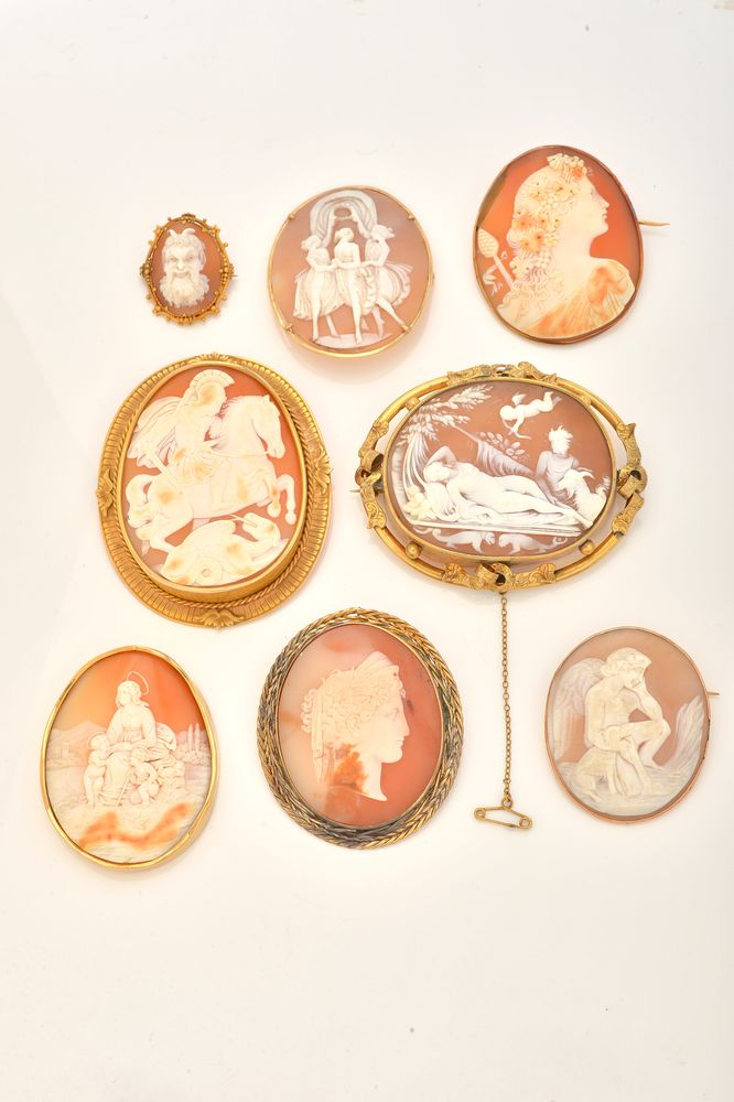 Lot 850 - A group of eight 19th century oval shell cameo brooches and a plaque