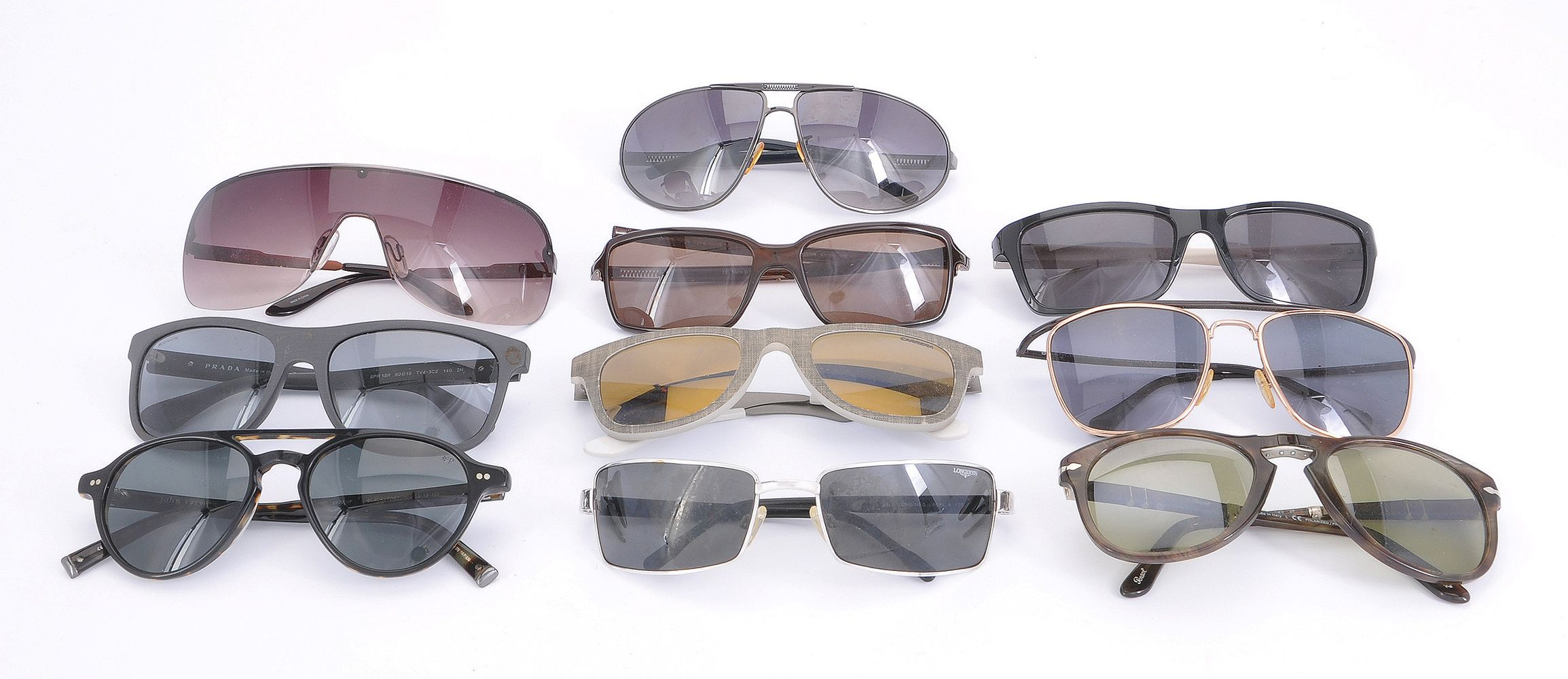 Lot 1087 - A collection of sunglasses from fashion brands