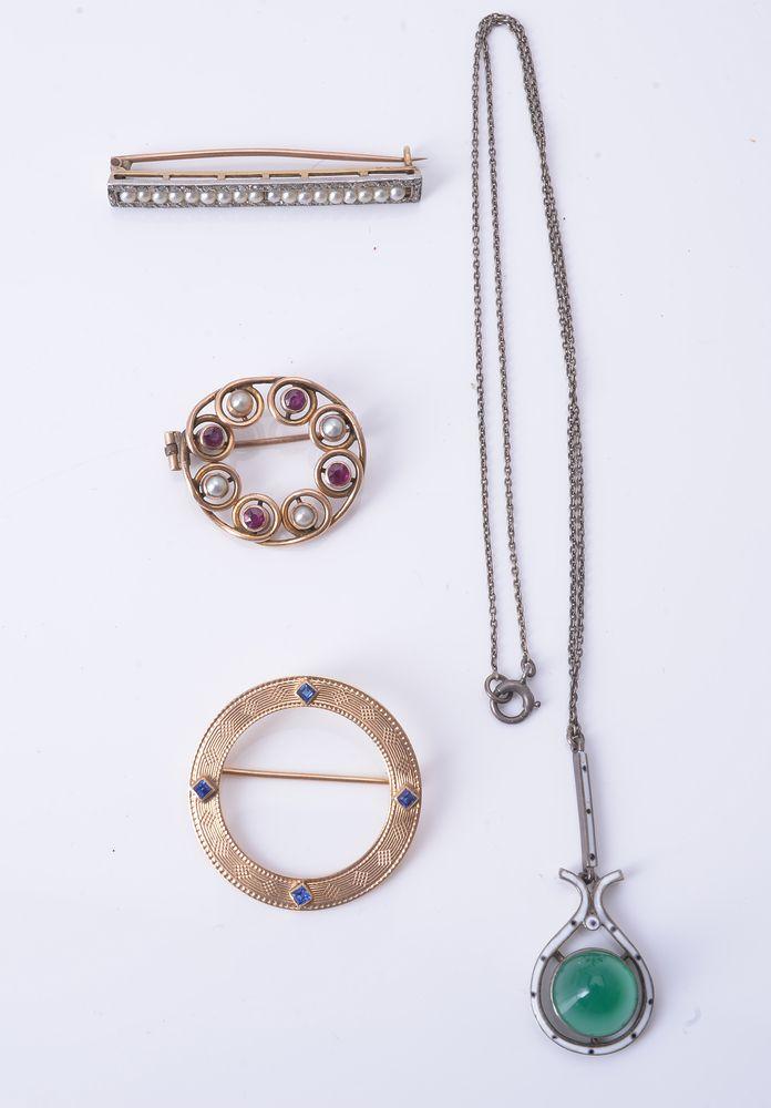 Lot 874 - An Edwardian seed pearl and rose-cut diamond bar brooch