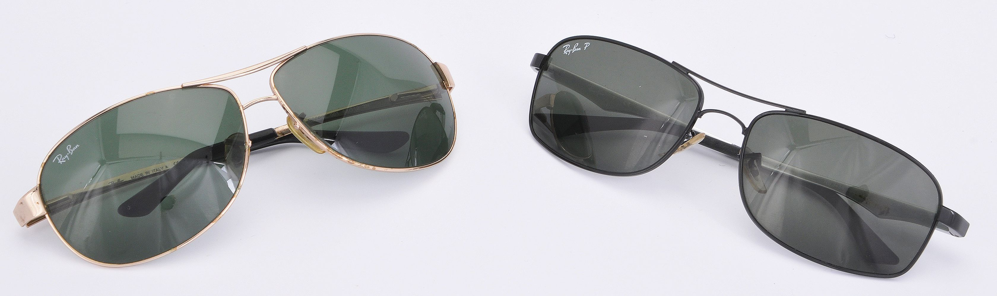 Lot 1081 - Ray Ban, ref. RB3342 001, a pair of gilt metal framed sunglasses