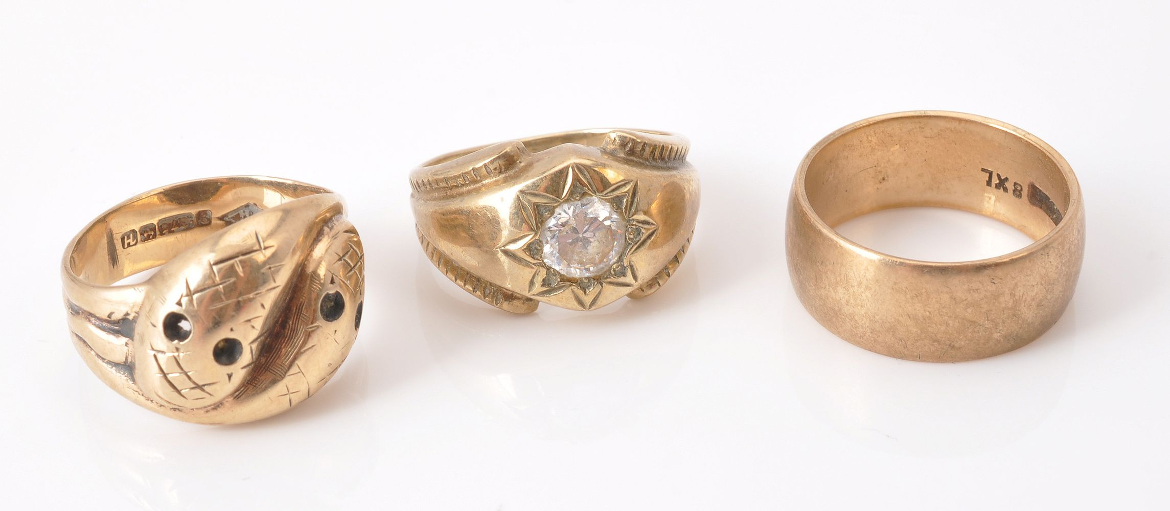 Lot 826 - A 9 carat gold serpent ring